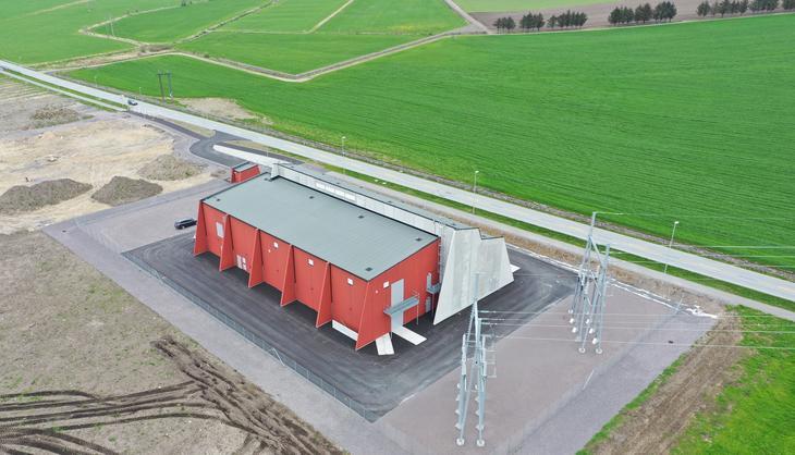 Dronefoto av nye Opstad transformatorstasjon.