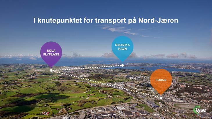 Flyfoto med dråpeikon der Risavika Havn, Sola flyplass og Forus næringsområde er markert.