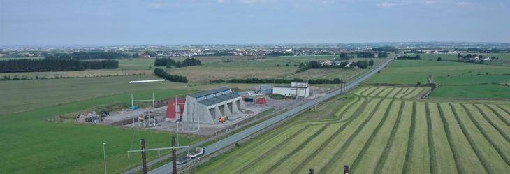 Flyfoto av nye Opstad transformatorstasjon mens den var under bygging.